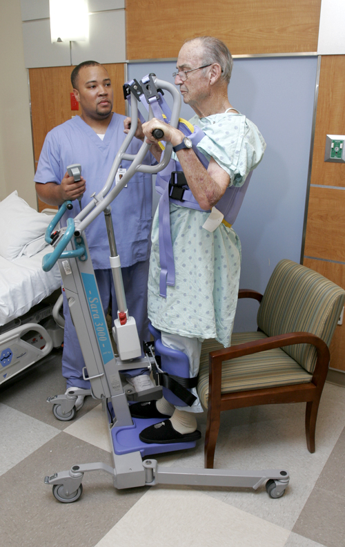 SARA 3000 patient standing with lift
